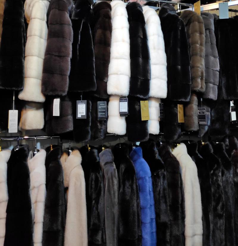 Шубы норковые - белые, синие, бежевые, черные, серые, графит, коричневые. Как выбрать шубу. Шубы на меховой выставке-ярмарке на ВДНГ павильон №1