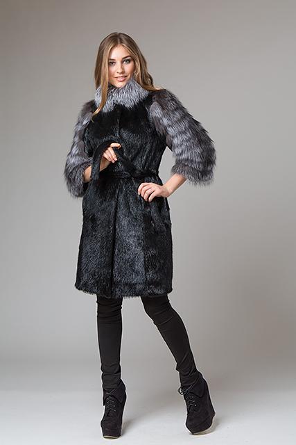 Меховое пальто с рукавами из чернобурки от Miss Lora(Мисс Лора)