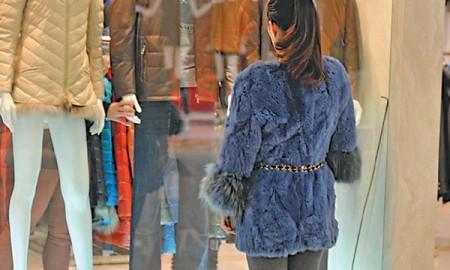 Китайские меховые производители уменьшают количество меха в шубах, чтоб сделать их доступными для рынка СНГ
