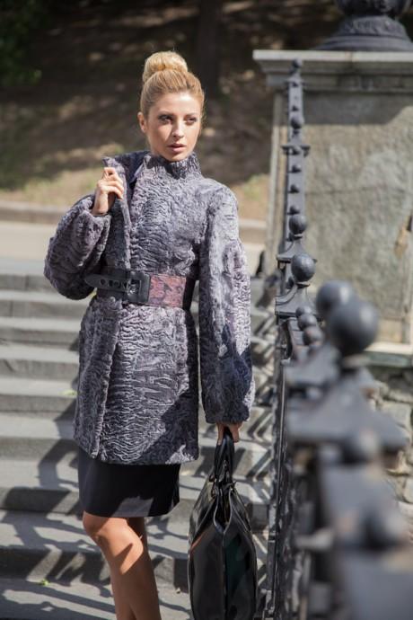 Итальянское каракулевое пальто серого цвета
