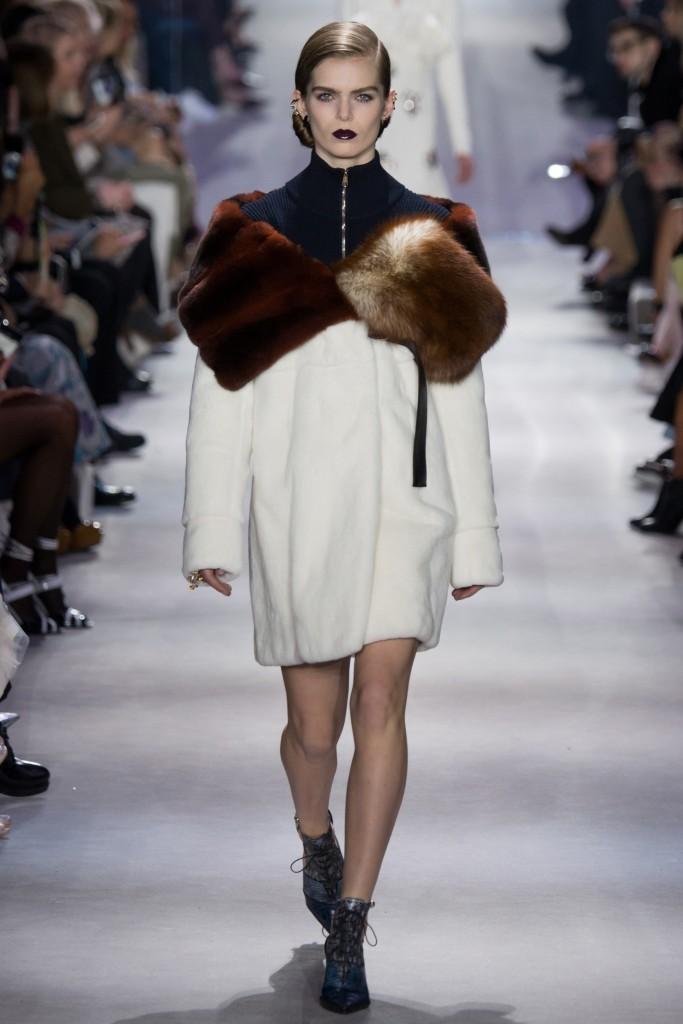 Осенние шубы 2016 и пальто от Christian Dior приведут вас к ... лору