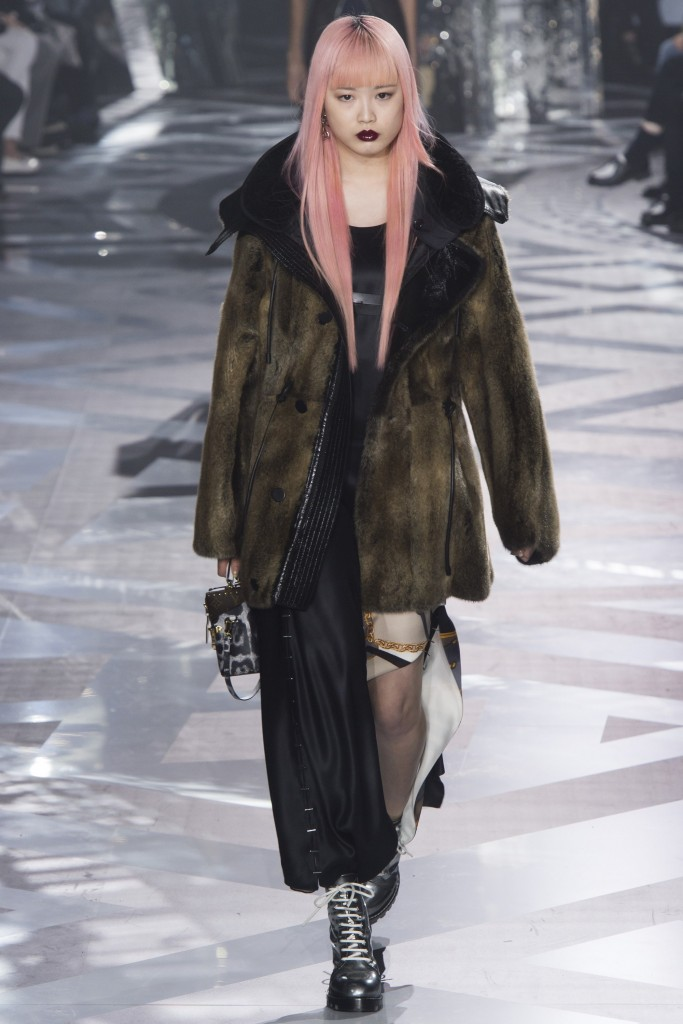 Шубы и меха 2017 от Louis Vuitton