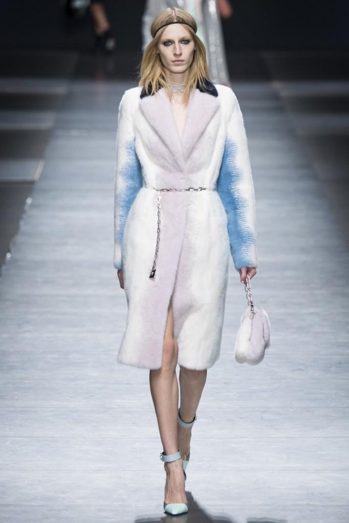 Осенняя меховая коллекция Versace 2016 задает тренд будущего