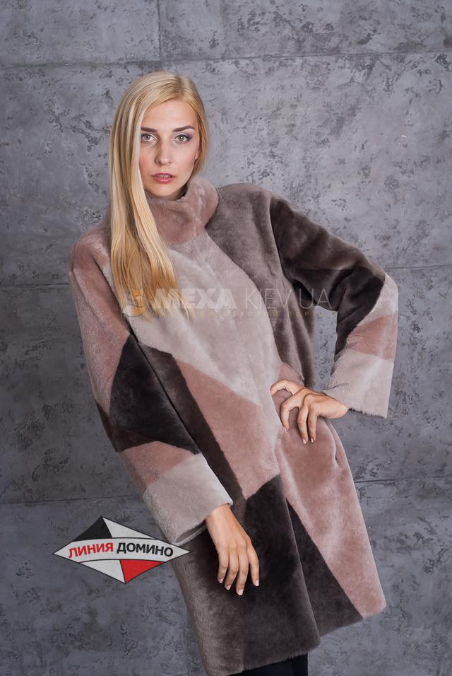 Удивительная модное пальто в стиле печворк