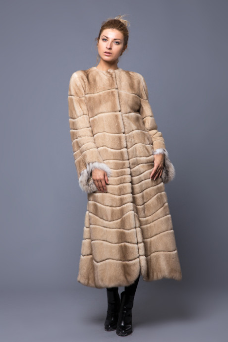 Норковое пальто с горжеткой