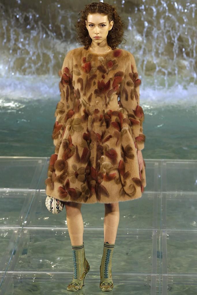 Меховое пальто от Fendi