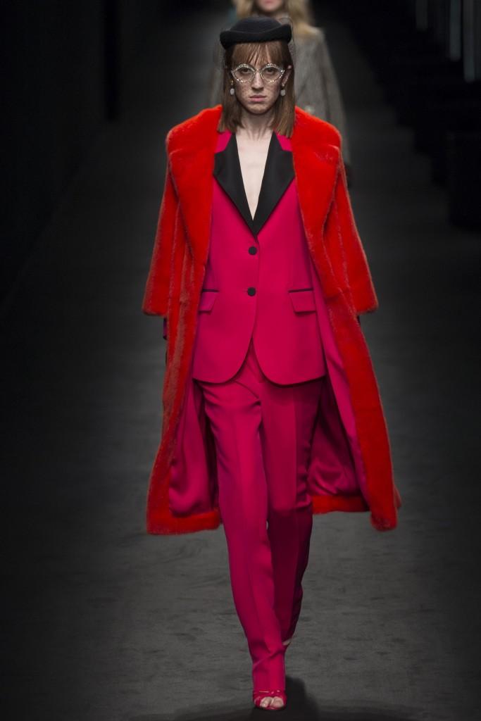 Красная шуба Gucci