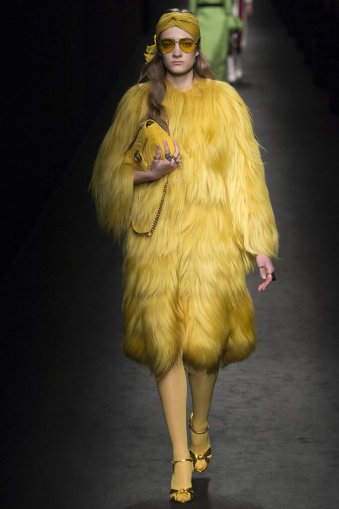 Желтая шуба Gucci