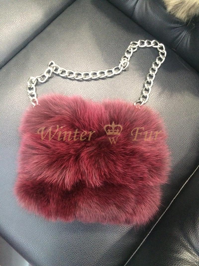 Меховая сумка из песца бордового цвета