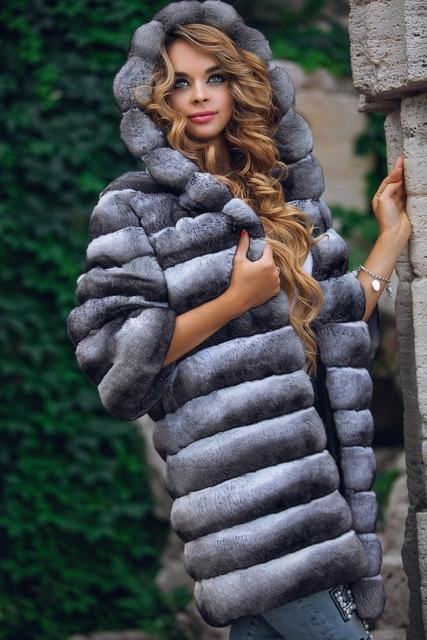 Итальянское шиншилловое пальто с капюшоном