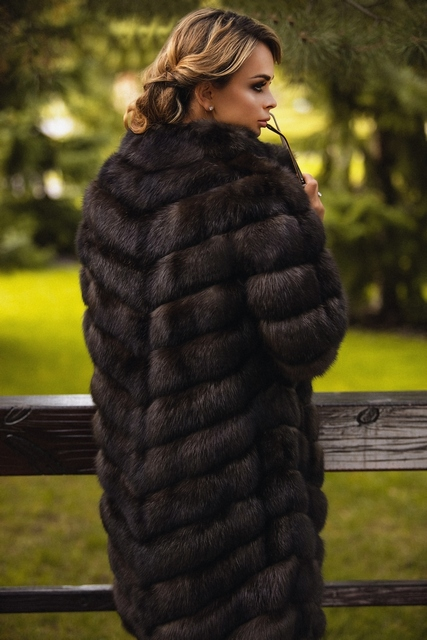Итальянское пальто из меха соболя