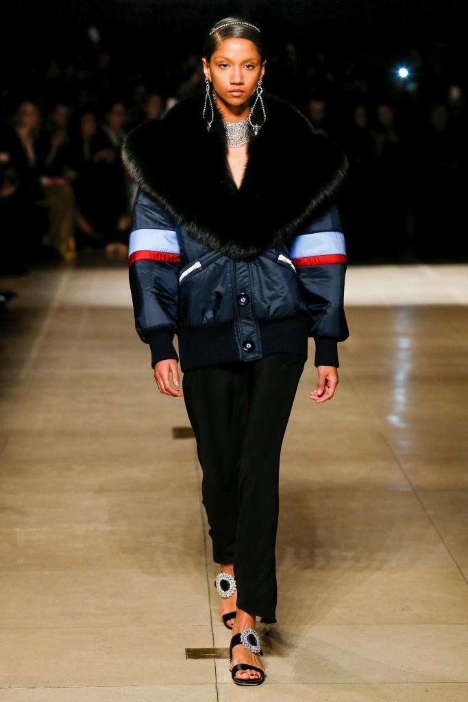 Темно-синяя куртка в меховым воротником Miu Miu