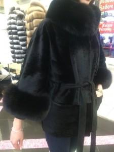Меховая куртка из орилага с воротником из песца