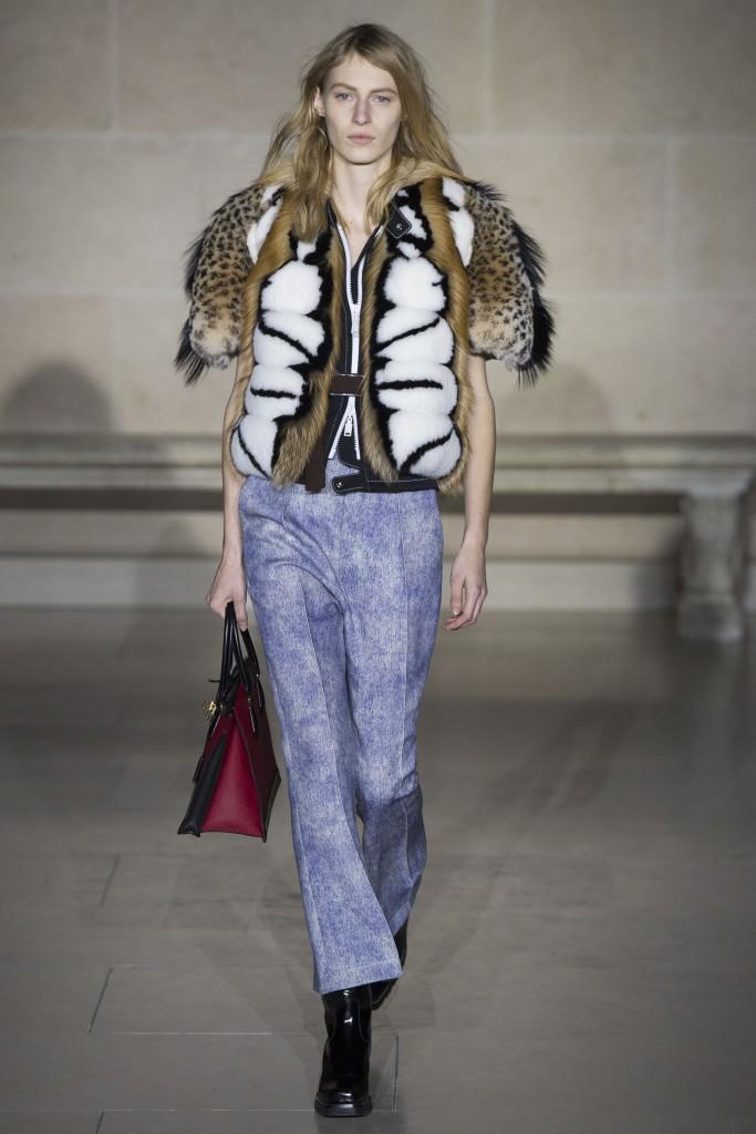 Модная меховая куртка от Луи Виттон