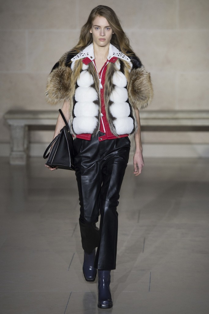 Меховой жилет Louis Vuitton