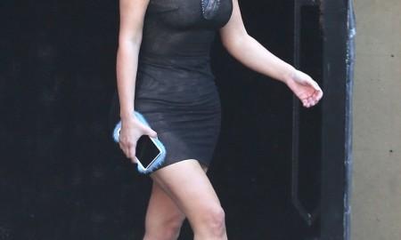 Гламурный тренд! Норковые чехлы для смартфонов от Ким Кардашьян