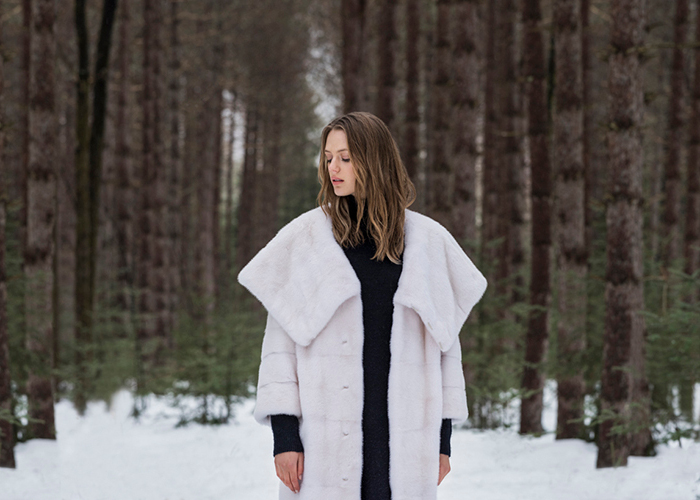 NAFA Mink | Белая норковая шуба – Braschi