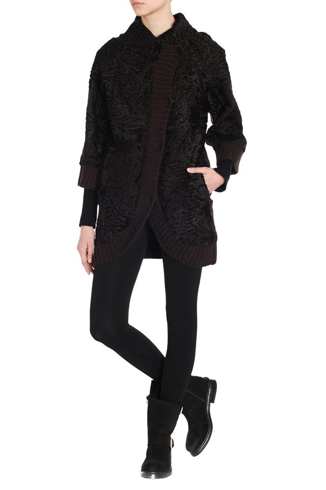 Коричневая куртка из каракуля