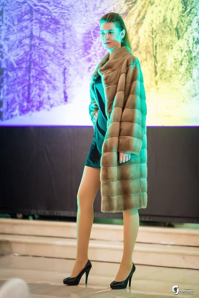 Длинная коричневая норковая шуба от Winter Fur
