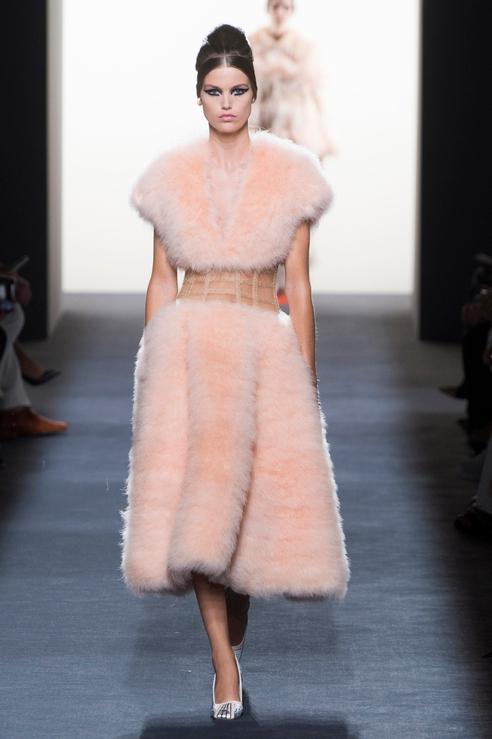 Меховое платье Fendi
