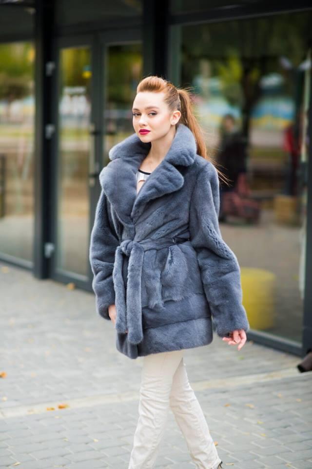 Серая норковая шуба-пальто