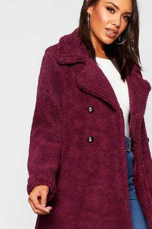 Меховое пальто темно-сиреневого цвета