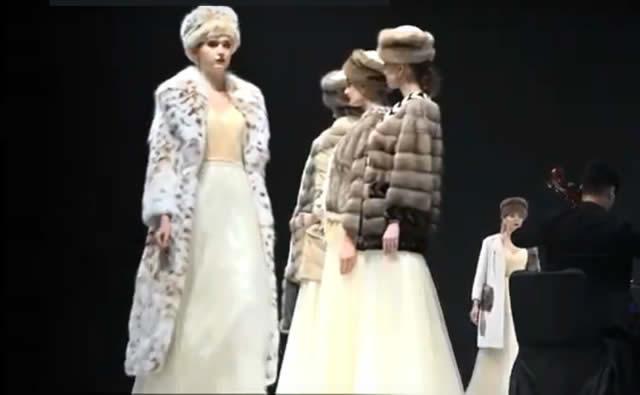 Длинное меховое пальто из рыси и куртка из соболя