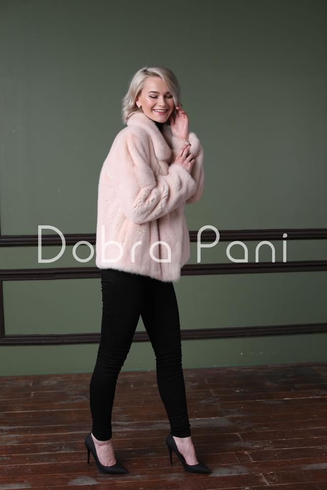 Розовая короткая шуба от Доброй Пани