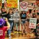 Защитники прав животных напали на магазин Dolce & Gabbana в Торонто