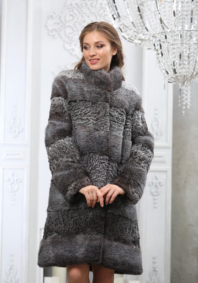 Серое меховое пальто из каракульчи