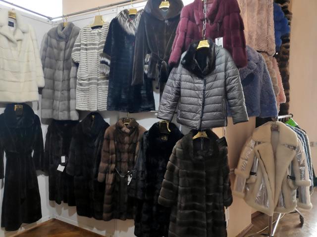 Распродажа шуб, дубленок, курток и пуховиков на ярмарке меха в Киеве