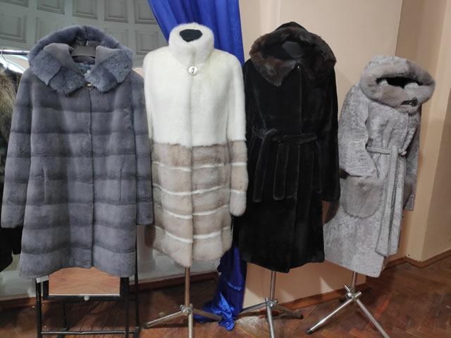 Шубы и пальто из норки серого, белого, черного цвета, пальто из мутона