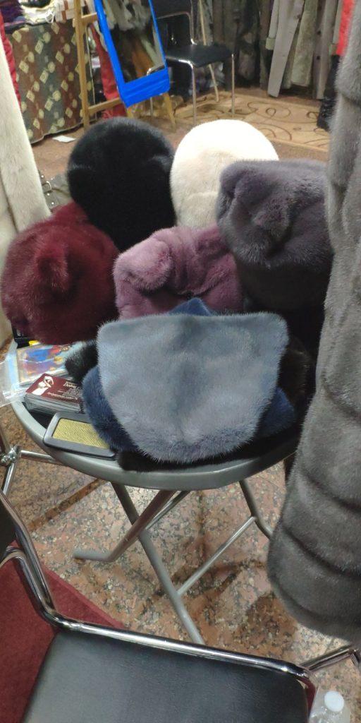Купить шапку из натурального меха норки в Киеве от фабрики Dobra Pani