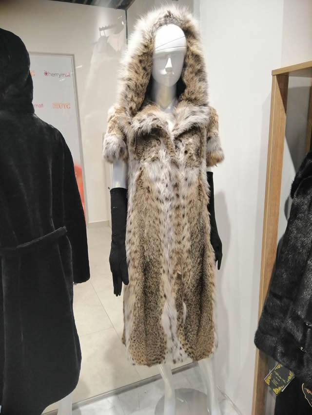 Меховое пальто из рыси с капюшоном