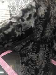 Шуба-пальто из меха каракуля
