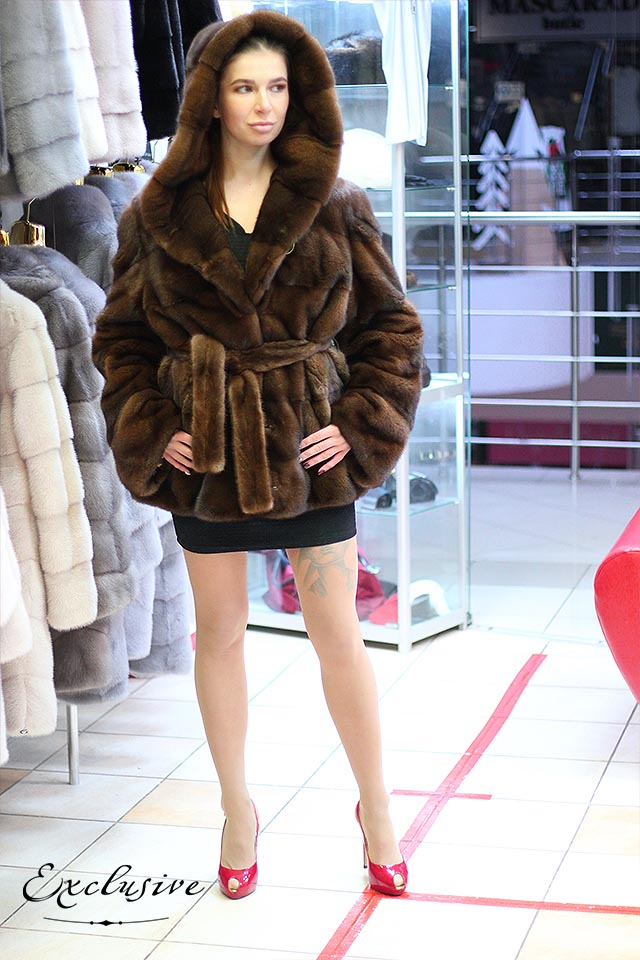 Норковые шубы от Exclusive Furs с капюшоном