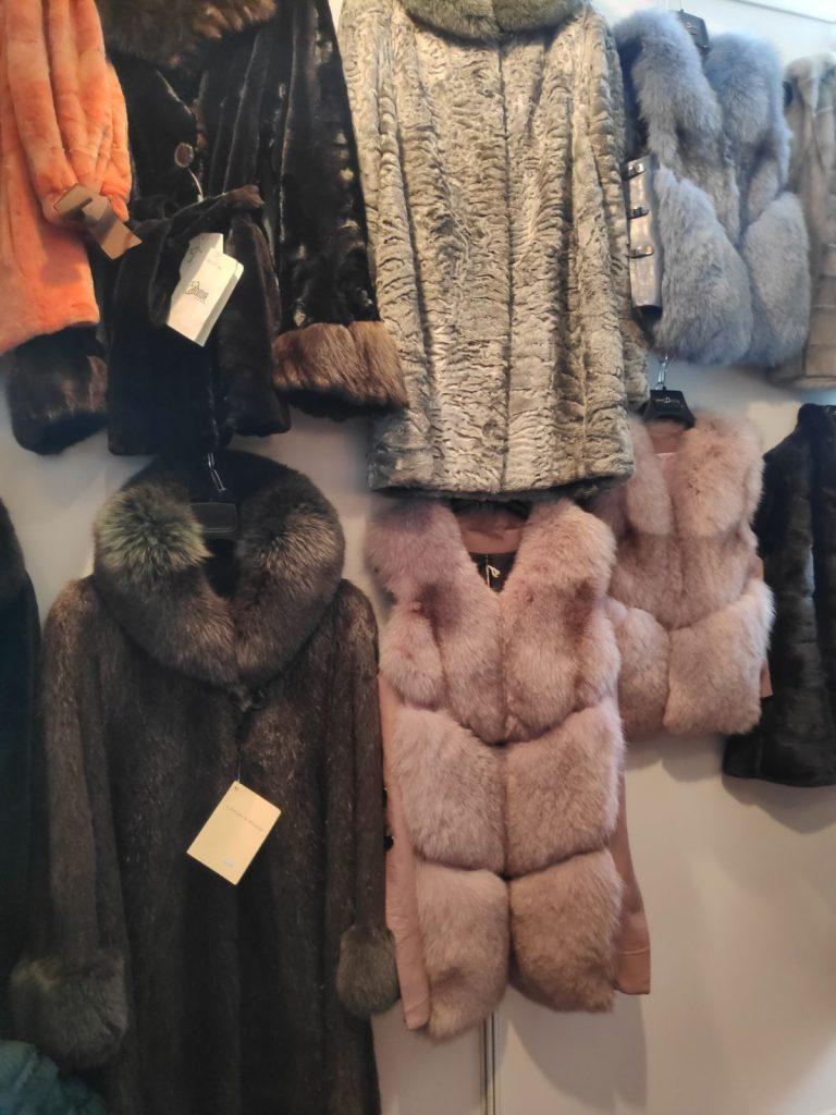 Женское пальто из астрагана в Киеве