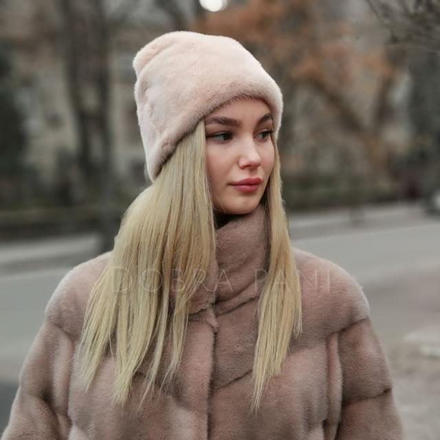 жіноча шапка з норки